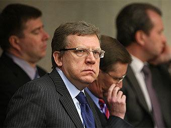 Россия снова латает бюджет за счет цен на нефть