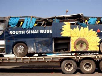 Разбившийся в Египте автобус. Фото ©AFP