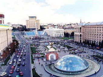 Скоро электронное табло на доме профсоюзов в Киеве превратят в рекламный...