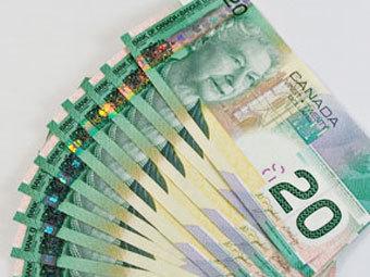 Центробанк будет покупать канадские доллары?