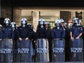 В Афинах бастуют работники транспортной отрасли