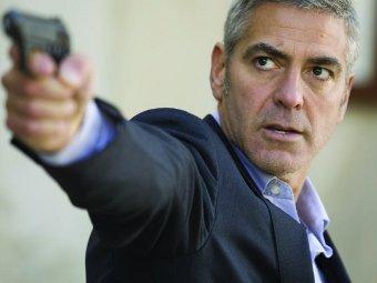 """Джордж Клуни в фильме """"Американец"""""""