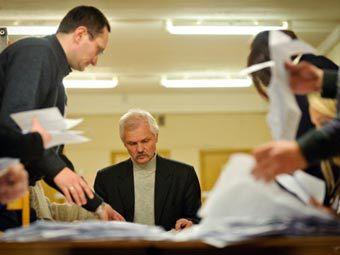 Подсчет голосов на выборах в Белоруссии. Фото ©AFP