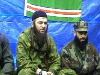 Доку Умаров (слева). Изображение с сайта imamtv.com