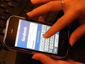Люди больше тратят времени на Facebook