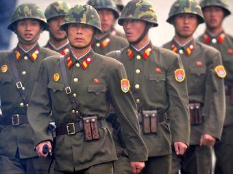 Северокорейские солдаты. Архивное фото ©AFP