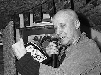 Всеволод Емелин. Фото Алексея Балакина с сайта wikipedia.org