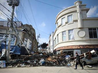 Последствия землетрясения в Кесеннуме. Фото ©AFP