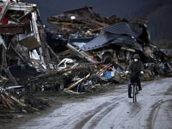 Число погибших при землетрясении в Японии достигло 10 тысяч