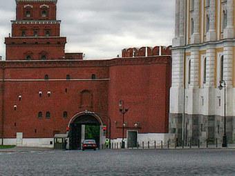 Боровицкие ворота Кремля. Фото lensart.ru
