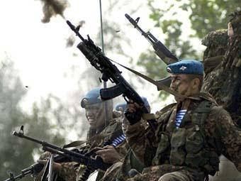 Бойцы ВДВ в голубых беретах. Фото ©AFP