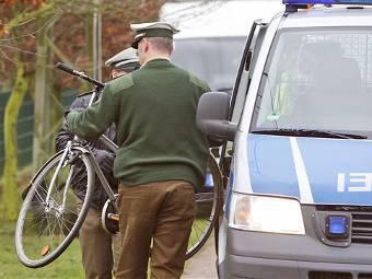 Немецкая практичность: от полицейских требуют пересаживаться для патрулирования на велосипеды Picture