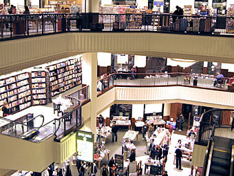 Магазин The Barnes & Noble в Лос-Анджелесе. Фото Geographer