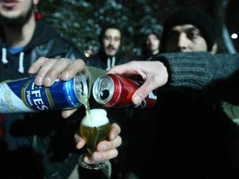 Кроме того, продавать спиртное не разрешается лицам, не достигшим 24 лет.