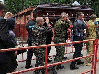Похороны Юрия Буданова. Фото ©AFP
