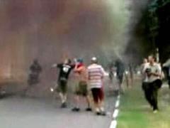 Нападение на мэрию Химок. Кадр любительсокой видеозаписи с сайта himki.ru