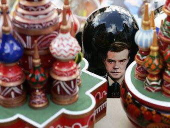 В сувенирной лавке в Москве. Фото ©AFP