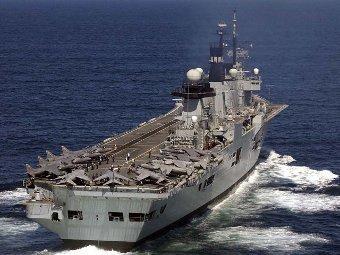 Самолетоносачът HMS Illustrious преди ремонта