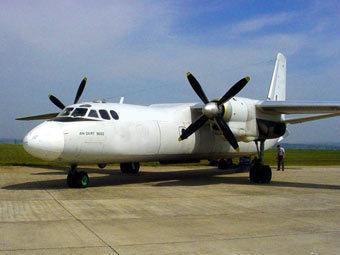 Самолет Ан-24 сел на воду возле Нижневартовска.