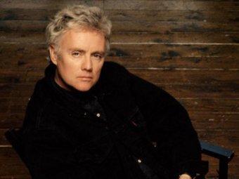 Барабанщик, автор многих песен, певец.  Наши поздравления, Roger Taylor.