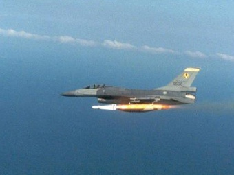 F-16 ВВС Тайваня. Фото с сайта defenseindustrydaily.com