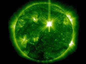 Солнце в момент вспышки. Изображение SDO