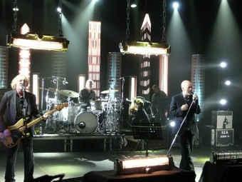 Выступление R.E.M. Фото с сайта группы
