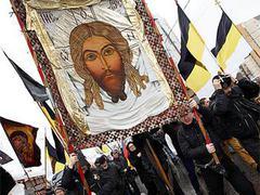 Заметно, что Русский марш помолодел: раньше стариков...