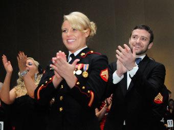 Келси Де Сантис и Джастин Тимберлейк. Фото с сайта justintimberlake.com