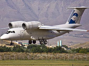 Самолет авиакомпании Rolkan Investments Ltd. Фото с сайта russianplanes.net