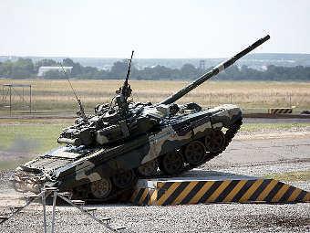 """Т-90. Фото Сергея Петрова, """"Лента.Ру"""""""