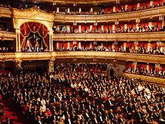 Большой театр открылся после реконструкции.