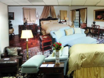 Восстановленный интерьер спальни Джексона. Фото ©AFP