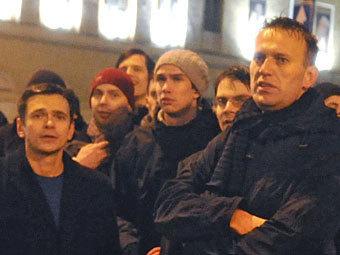 Илья Яшин (слева) и Алексей Навальный на митинге против фальсификации на выборах 5 декабря 2011 года. Фото РИА Новости, Александр Уткин