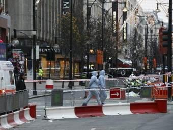 Перекрытый участок Оксфорд-стрит. Фото ©AFP