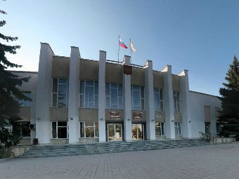 Здание администрации города Лермонтов. Изображение с сайта lermsk.ru