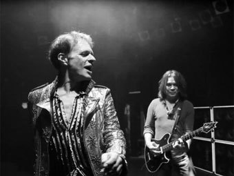 Дэвид Ли Рот и Эдди Ван Хален. Кадр из трейлера с сайта Van Halen