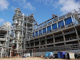 Нефтеперерабатывающий завод. Фото РИА Новости, Григорий Сысоев