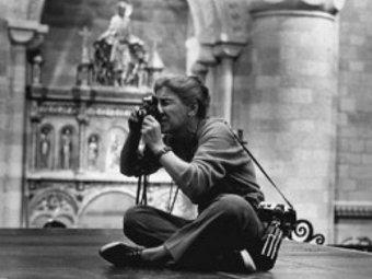 Ева Арнольд. Фото с сайта www.art-fine.co.uk