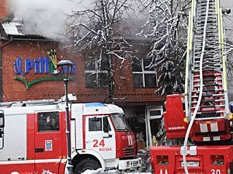 Пожарные расчеты на месте взрыва на Новочеремушкинской улице. Фото РИА Новости, Владимир Федоренко