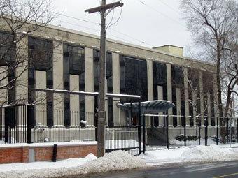 Здание посольства РФ в Оттаве. Фото SimonP