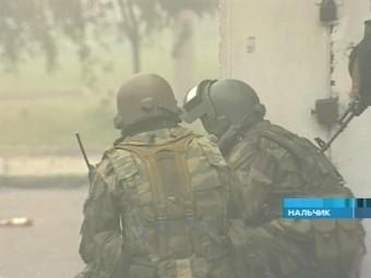 В школе в Нальчике военнослужащему перерезали горло