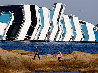"""""""Коста Конкордиа"""". Фото Reuters"""