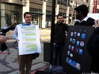 Активисты Change.org, фото Josh Lowensohn с сайта CNET News