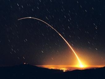 Испытательный запуск баллистической ракеты Minuteman III. Фото с сайта spacearchive.info