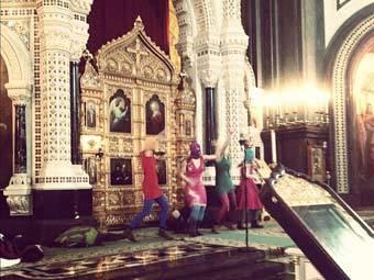 Pussy Riot в Храме Христа Спасителя. Фото Екатерины Фоминой