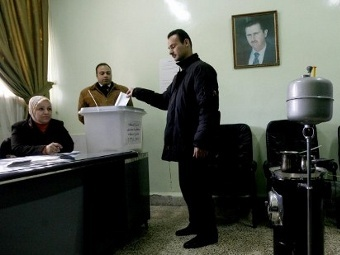 Голосование на референдуме в Сирии, 26.02.2012. Фото ©AFP
