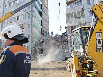 Поисково-спасательные работы на месте обрушения дома в Астрахани. Фото РИА Новости, Яна Лапикова