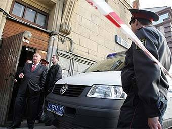 На месте убийства Анны Политковской. Фото ©AFP, архив