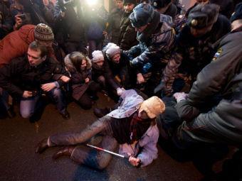 Задержания участников акции протеста у ЦИКа. Фото из твиттера Ильи Варламова
